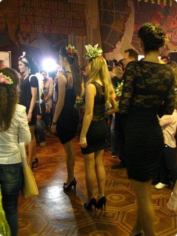 Всем большой привет! Сегодня состоялся в Москве фестиваль свит-дизайна и я спешу показать вам то, что мне удалось сфоткать (основные групповые самые интересные фотки у ВикиА) Это основной зал в котором и проходило всё это мероприятие.... ожиданий конечно это заведение не оправдало.... слишком громкое название, а организация на нуле... фото 31