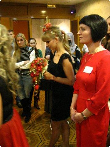Всем большой привет! Сегодня состоялся в Москве фестиваль свит-дизайна и я спешу показать вам то, что мне удалось сфоткать (основные групповые самые интересные фотки у ВикиА) Это основной зал в котором и проходило всё это мероприятие.... ожиданий конечно это заведение не оправдало.... слишком громкое название, а организация на нуле... фото 37