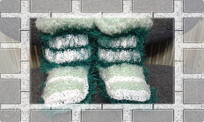 Тапочки не очень любим... Постоянно в движении... ходить не любим, любим бегать... -  и вечно тапочки слетают!)) Теперь ножкам будет легко и тепло! фото 2