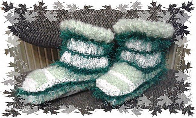 Тапочки не очень любим... Постоянно в движении... ходить не любим, любим бегать... -  и вечно тапочки слетают!)) Теперь ножкам будет легко и тепло! фото 1