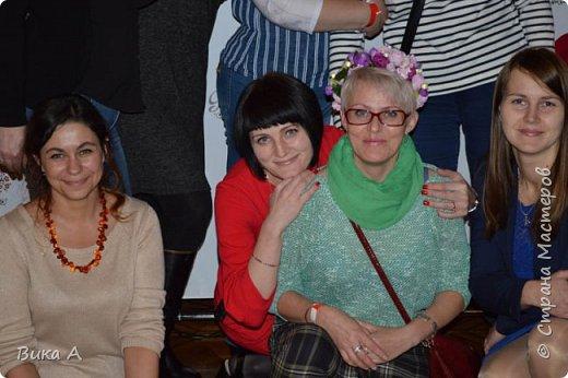 Здравствуйте! Сегодня, 5 ноября, в Москве состоялся первый фестиваль свит-дизайна. Событие очень для меня замечательное, так как я впервые присутствовала на встрече мастериц страны мастеров. И я в восторге от всех этих прекрасных леди! На фотографии: внизу слева на право: Светлана domowenok, Наталья natalia_no1, Светлана ПроБелка. Сверху влева на право: Юля Жуковская, Светлана МОТЮЛЬ, Наталья Natysa-2012.  фото 2