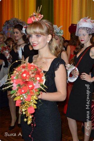 Здравствуйте! Сегодня, 5 ноября, в Москве состоялся первый фестиваль свит-дизайна. Событие очень для меня замечательное, так как я впервые присутствовала на встрече мастериц страны мастеров. И я в восторге от всех этих прекрасных леди! На фотографии: внизу слева на право: Светлана domowenok, Наталья natalia_no1, Светлана ПроБелка. Сверху влева на право: Юля Жуковская, Светлана МОТЮЛЬ, Наталья Natysa-2012.  фото 12