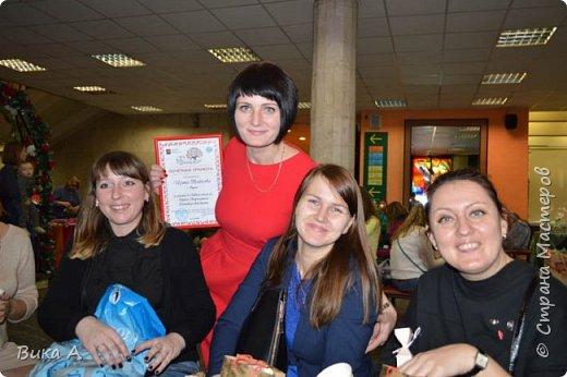 Здравствуйте! Сегодня, 5 ноября, в Москве состоялся первый фестиваль свит-дизайна. Событие очень для меня замечательное, так как я впервые присутствовала на встрече мастериц страны мастеров. И я в восторге от всех этих прекрасных леди! На фотографии: внизу слева на право: Светлана domowenok, Наталья natalia_no1, Светлана ПроБелка. Сверху влева на право: Юля Жуковская, Светлана МОТЮЛЬ, Наталья Natysa-2012.  фото 10
