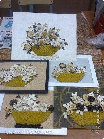 На создание нас вдохновила работа Олечки Симоновой. Конечно, мы использовали другие материалы, те, что были под рукой. -макароны -семечки тыквы -семена подсолнуха -маш -семечки дыни -семечки арбуза -семечки перца -лля серединок цветов кукурузная крупа и перловка фото 10