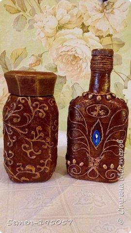 Бутылочки выполнены в смешанных техник,есть скорлупа от яиц,салфетки,бисер,природный засушенный материал фото 3