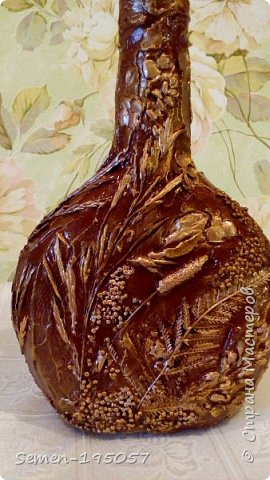 Бутылочки выполнены в смешанных техник,есть скорлупа от яиц,салфетки,бисер,природный засушенный материал фото 4