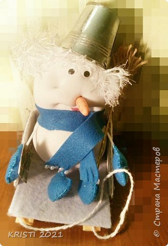 В записи про сани я писала, что у меня в планах создать снеговика. Но у меня на него не хватало времени. ..и сегодня...я сделала снеговичка :) фото 1