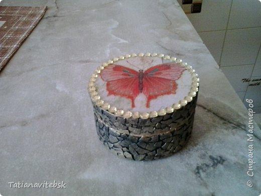 Подружка просила декорировать ей для работы стеклянную вазу. Все видно -жгутики, яичная скорлупа. фото 2