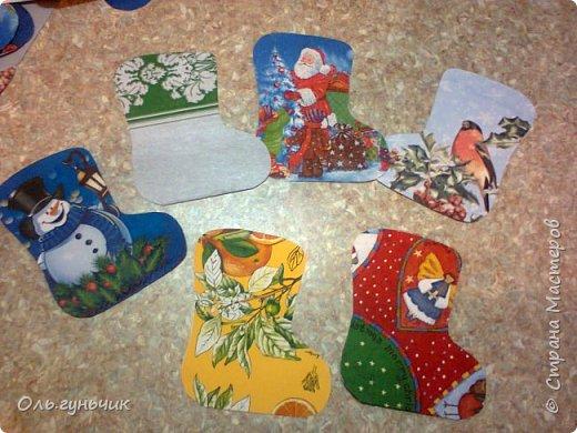 Всем привет!!! Скоро новый год и чтобы моим мальчишкам было интересно его ждать, сделала я вот такой адвент-календарь. И пока моя ребятня спит спешу показать вам что у меня получилось)))) За все идеи, картинки, распечатки спасибо огромное Марине Лужинской: http://stranamasterov.ru/node/980574 обязательно к ней загляните, это просто кладезь идей!!! еще раз спасибо Мариночка огромное!!!! фото 28