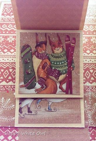 Здравствуйте!  Сегодня хочу поделиться с Вами очередной новогодней открыткой. Здесь использовала декоративную бумагу от АртУзора Снежные истории. МК можно посмотреть здесь https://www.youtube.com/watch?v=1m-V6Tf-SdA&index=10&list=PLw98jevtt7LtPgxEkpOhYuMZBXQkaNe4O.  Я лишь капельку изменила размеры в двух деталях и сделала открытку открывающейся. В остальном всё как в МК. фото 3