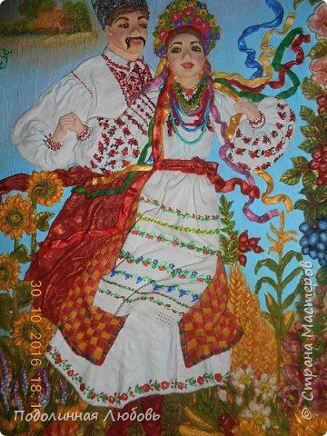 Друзья, это панно не просто продукт воодушевления. Глава районной администрации попросил меня сделать памятный подарок друзьям полякам. Сегодня 7 ноября 2016 года  наша делегация, пребывая в Польше с дружественным визитом, подписали договор о сотрудничестве. Полагаю, что мое панно уже подарено. Я счастлива, что и я причастна к этому событию. В этом панно вся красота моей Украины! фото 2