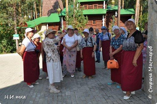 Место, именуемое «Ганиной Ямой», хорошо известно не только в Екатеринбурге, но и на всей территории России. Сегодня это удивительное место является одним из самых популярных объектов Урала. Сюда съезжаются не только православные верующие, но и множество туристов, интересующихся  историей России. Вот и мы с группой пенсионеров побывали там на экскурсии. фото 18