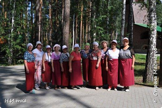Место, именуемое «Ганиной Ямой», хорошо известно не только в Екатеринбурге, но и на всей территории России. Сегодня это удивительное место является одним из самых популярных объектов Урала. Сюда съезжаются не только православные верующие, но и множество туристов, интересующихся  историей России. Вот и мы с группой пенсионеров побывали там на экскурсии. фото 20