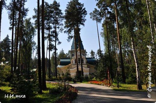 Место, именуемое «Ганиной Ямой», хорошо известно не только в Екатеринбурге, но и на всей территории России. Сегодня это удивительное место является одним из самых популярных объектов Урала. Сюда съезжаются не только православные верующие, но и множество туристов, интересующихся  историей России. Вот и мы с группой пенсионеров побывали там на экскурсии. фото 3