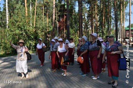 Место, именуемое «Ганиной Ямой», хорошо известно не только в Екатеринбурге, но и на всей территории России. Сегодня это удивительное место является одним из самых популярных объектов Урала. Сюда съезжаются не только православные верующие, но и множество туристов, интересующихся  историей России. Вот и мы с группой пенсионеров побывали там на экскурсии. фото 4