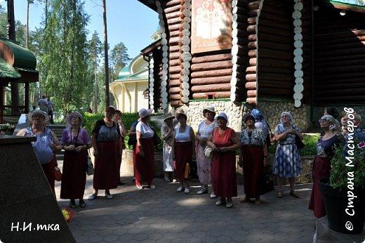 Место, именуемое «Ганиной Ямой», хорошо известно не только в Екатеринбурге, но и на всей территории России. Сегодня это удивительное место является одним из самых популярных объектов Урала. Сюда съезжаются не только православные верующие, но и множество туристов, интересующихся  историей России. Вот и мы с группой пенсионеров побывали там на экскурсии. фото 8