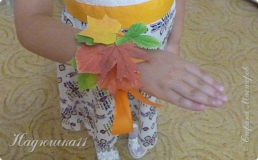 В детском саду совершенно неожиданно (для меня) проводили зимой колядки. И за одну ночь нужно было срочно смастерить костюм для дочери. Нашли подходящий сарафанчик, белую рубашечку, бусы. А на голову нужно было сделать кокошник. Вот получился такого плана, может кому пригодится на предстоящий новогодний праздник. фото 6