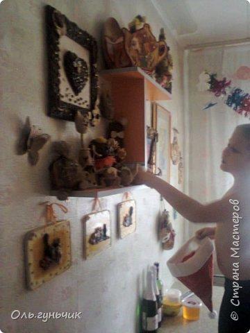 И снова здравствуйте! В прошлый раз я показала вам наш новый адвент-календарь, а сейчас хочу показать старый. Правда он был сделан всего на пару дней...слишком поздно я про него узнала, но хоть на пару дней, но он у нас был))) Вот какие мальчишки довольные! фото 9