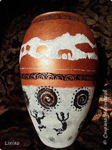 Доброго времени суток, каждому заглянувшему! Обязательные моменты в задумке были: человечки из африканского племени и разделение вазы на две части. Итог перед Вами. фото 5