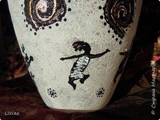 Доброго времени суток, каждому заглянувшему! Обязательные моменты в задумке были: человечки из африканского племени и разделение вазы на две части. Итог перед Вами. фото 9