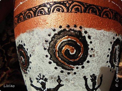 Доброго времени суток, каждому заглянувшему! Обязательные моменты в задумке были: человечки из африканского племени и разделение вазы на две части. Итог перед Вами. фото 13