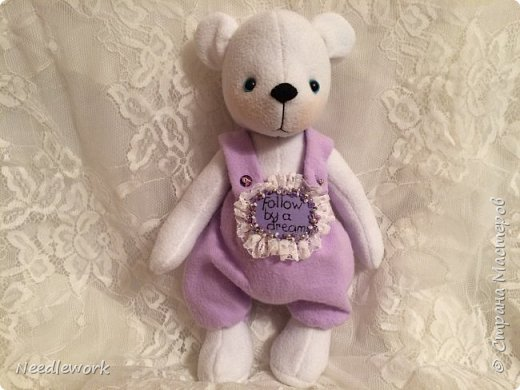 Сегодня я расскажу вам одну историю)))). Жила на свете маленькая белая медведица. И была у неё мечта... мечта стать бабочкой. Странное желание для медведя, неправда ли?))) все посмеивались над ней, ещё бы! Несбыточная мечта!))) фото 1