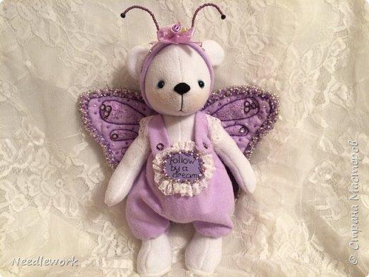 Сегодня я расскажу вам одну историю)))). Жила на свете маленькая белая медведица. И была у неё мечта... мечта стать бабочкой. Странное желание для медведя, неправда ли?))) все посмеивались над ней, ещё бы! Несбыточная мечта!))) фото 3