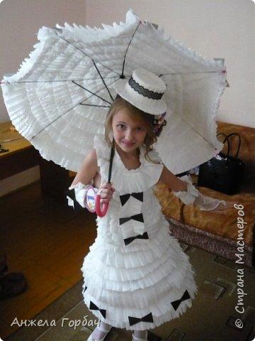 """Дочка очень захотела поучаствовать в конкурсе """"Мисс Дюймовочка"""".Один из конкурсов был- платье из подручных материалов. В интернете множество идей, но нет мк.Решили делать платье из туалетной бумаги. фото 1"""