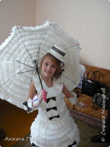 """Дочка очень захотела поучаствовать в конкурсе """"Мисс Дюймовочка"""".Один из конкурсов был- платье из подручных материалов. В интернете множество идей, но нет мк.Решили делать платье из туалетной бумаги. фото 11"""