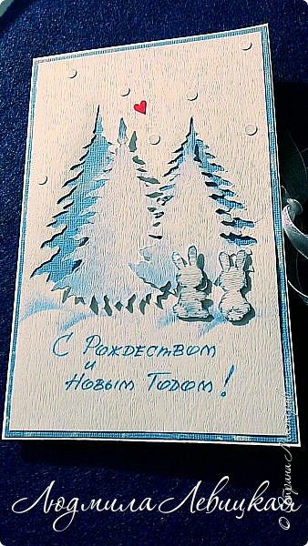 Здравствуй, Страна! Родилась третья открытка к Новому году... Опять в сине-голубых тонах. (Что-то меня потянуло на голубое....). Основа-бумага для акварели+белый кардсток, акриловые краски голубого и белого цвета. Идею подсмотрела где-то в интернете, но добавила много своего. Вот что получилось... фото 7