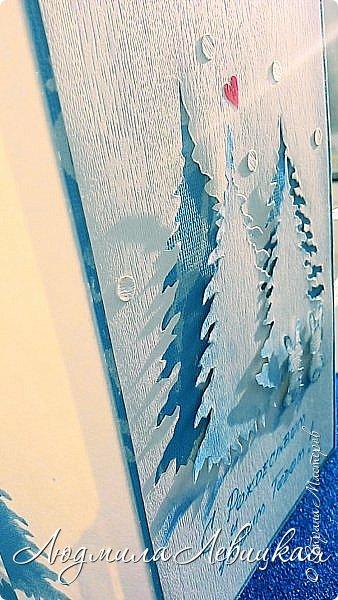 Здравствуй, Страна! Родилась третья открытка к Новому году... Опять в сине-голубых тонах. (Что-то меня потянуло на голубое....). Основа-бумага для акварели+белый кардсток, акриловые краски голубого и белого цвета. Идею подсмотрела где-то в интернете, но добавила много своего. Вот что получилось... фото 1