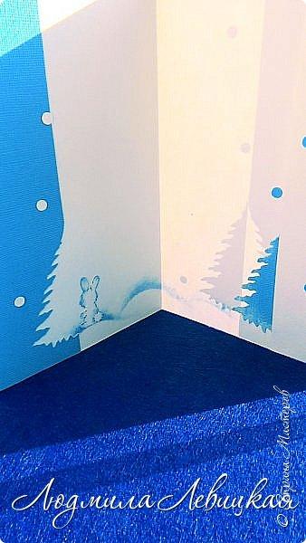 Здравствуй, Страна! Родилась третья открытка к Новому году... Опять в сине-голубых тонах. (Что-то меня потянуло на голубое....). Основа-бумага для акварели+белый кардсток, акриловые краски голубого и белого цвета. Идею подсмотрела где-то в интернете, но добавила много своего. Вот что получилось... фото 5