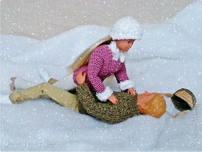 Зима в этом году решила прийти раньше срока. Еще листья с деревьев не успели опасть полностью, когда все окрестности завалило снегом. Наша милая парочка, Лия и Леон, воспользовались романтикой момента и, утеплившись, выбрались на свидание))) фото 5
