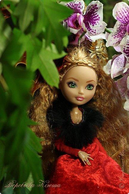 Олег пригласил Надю на свидание  в красивейшее место города. Он давно влюблен в самую приветливую, милосердную и очаровательную девушку Надю. фото 4