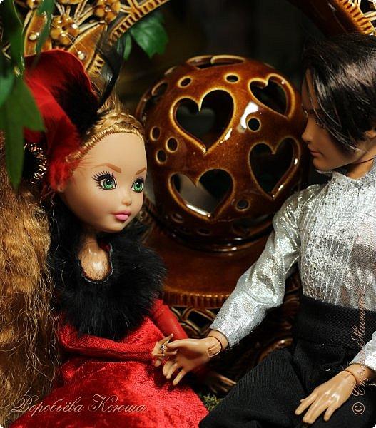 Олег пригласил Надю на свидание  в красивейшее место города. Он давно влюблен в самую приветливую, милосердную и очаровательную девушку Надю. фото 3
