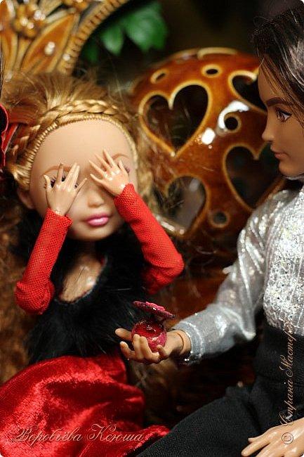 Олег пригласил Надю на свидание  в красивейшее место города. Он давно влюблен в самую приветливую, милосердную и очаровательную девушку Надю. фото 2