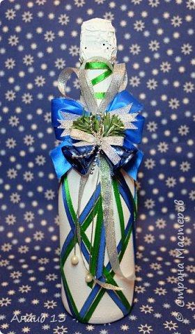 Новогодняя бутылочка. Оч-чень мне нравится украшать бутылочки ленточками)))) фото 2