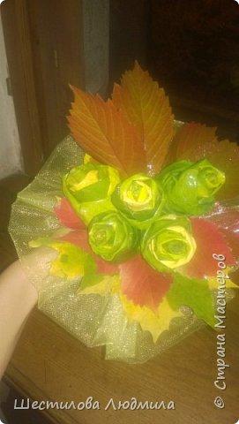 Букетик из кленовых листьев фото 2
