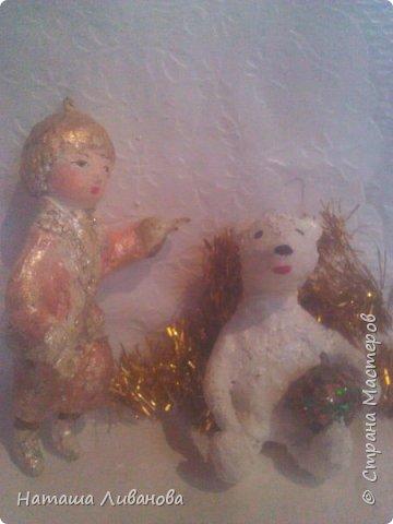 Мои елочные игрушки за прошлые годы...эти из ваты. Фотограф из меня как...снегирь из глухаря...неважный.)))  фото 1