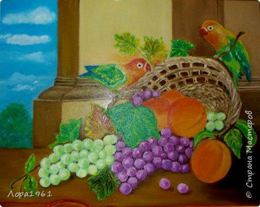 """Эта картина копия, мне она очень понравилась тем, что на ней органично сочетаются на мой взгляд и фрукты и попугайчики .  В своих работах  использую краски  Мастер-класс    """"Невская   Палитра""""     Полотно 40 х50,  2016г"""