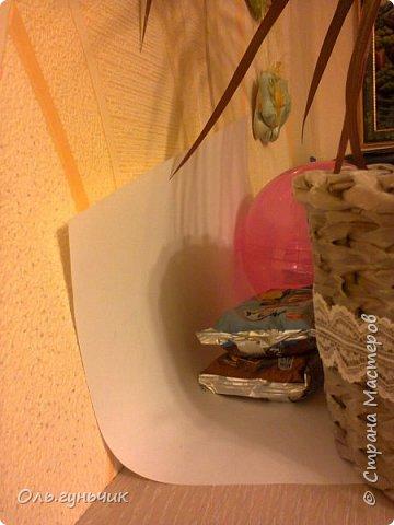 И опять здравствуйте! продолжаю выкладывать наши домашние праздники))) Дни рождения мы всегда очень ждем, ведь с каждым сыном мы отмечаем это день аж по два раза))) Первый это в сам день рождения, тогда мы ищем подарки...и второй, когда отмечаем этот день в детском кругу, с ребятней. Это день рождения старшего сына Вовы. Ночью, пока дети спят украшаю квартиру, очень нравятся многоразовые наклейки с днем рождения, служат уже который год. фото 11