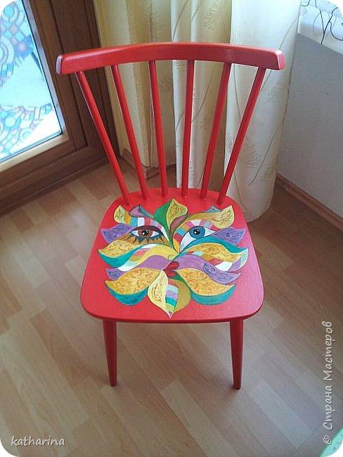 Это стулья 50-х годов. Народ выбрасывает...Я подбираю , шлифую , рисую. фото 3