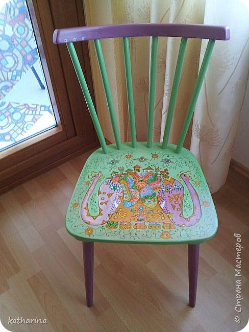 Это стулья 50-х годов. Народ выбрасывает...Я подбираю , шлифую , рисую. фото 5