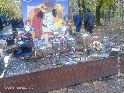 Есть в Краснодаре  замечательное место  - Чистяковская  роща.  Этот забытый  Гулливером зонтик  лежит у входа и ждет своего хозяина.  фото 29