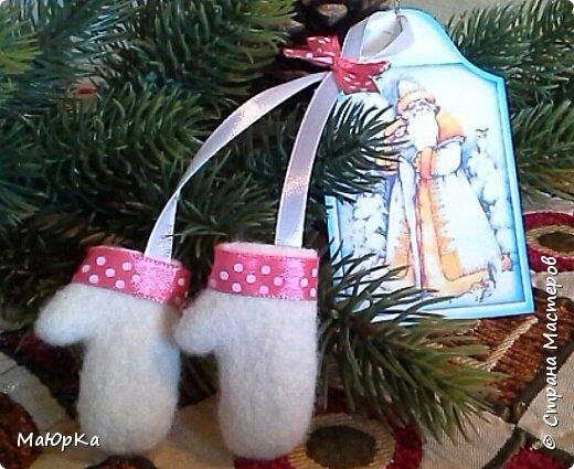 Сувенирные валенки и варежки - маленький, тёплый подарок родным, друзьям, знакомым в новогодние праздники. фото 10