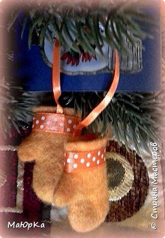 Сувенирные валенки и варежки - маленький, тёплый подарок родным, друзьям, знакомым в новогодние праздники. фото 11