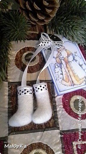 Сувенирные валенки и варежки - маленький, тёплый подарок родным, друзьям, знакомым в новогодние праздники. фото 8