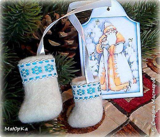 Сувенирные валенки и варежки - маленький, тёплый подарок родным, друзьям, знакомым в новогодние праздники. фото 2
