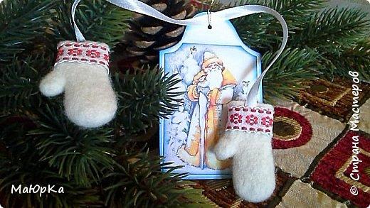 Сувенирные валенки и варежки - маленький, тёплый подарок родным, друзьям, знакомым в новогодние праздники. фото 9