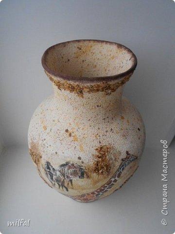 Из старой советской вазы с разбитым горлышком получилась Африка. Разбитое горлышко подкорректировала солёным тестом,отшлифовала наждачкой. По форме ваза, как кувшин и этно-стиль как раз в тему. фото 4